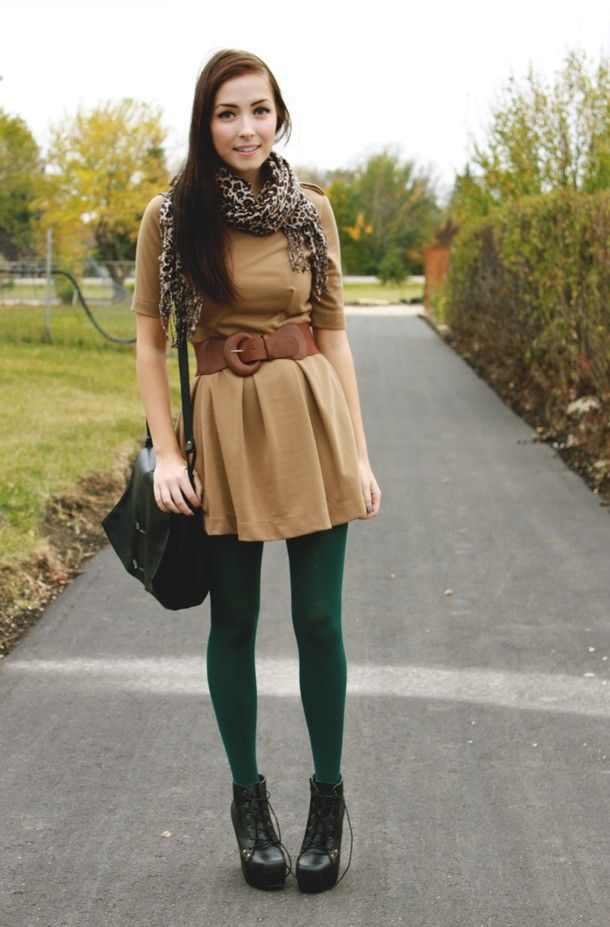 WHAT NOT TO DO FOR PETITES - This cuts her body in half. Colored/Printed Tights for Fall |