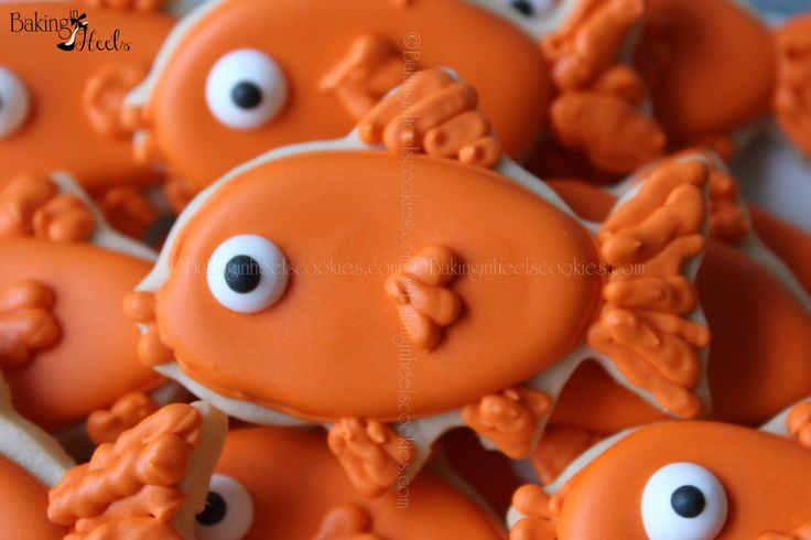 Goldfish Hand Decorated Sugar Cookie Favor, Kids Cookies, Birthday Cookies, Animal Cookies, Fish Cookies by Bakinginheels on Etsy https://www.etsy.com/listing/178578064/goldfish-hand-decorated-sugar-cookie