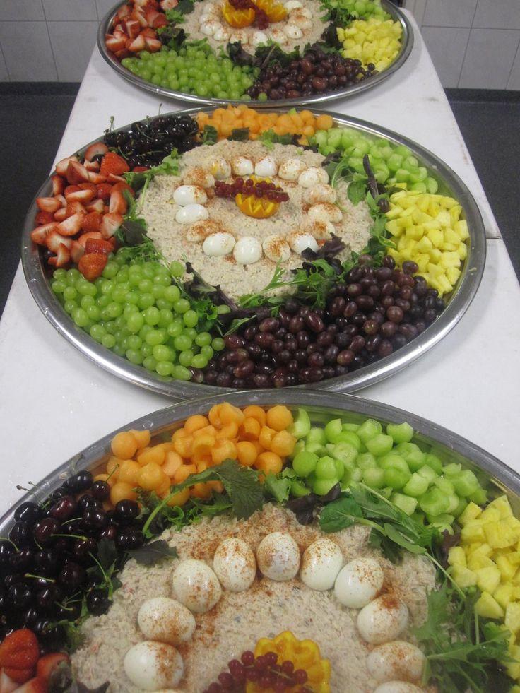 Huzarensalade met fruit schotel - huzaresalad with fruits