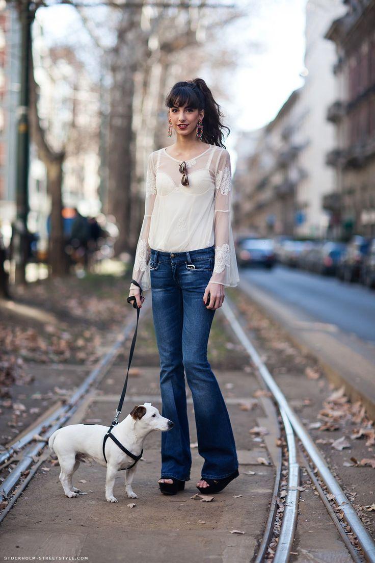 Door knocker earrings.: Bootcut Jeans, Flare Jeans, Fashion, Street Style, Denim, Jeans Flare, Dog, Stockholm Streetstyle, Flared Jeans