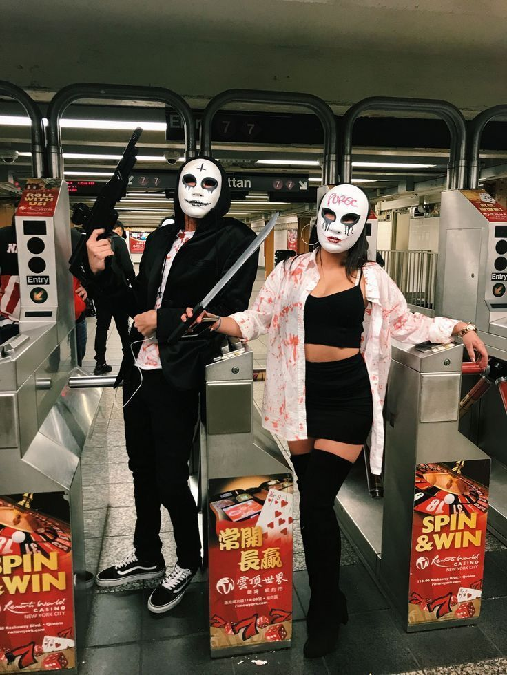Living With 7 Bad Boys Fifteen Scary Couples Halloween Costumes Couples Costumes Diy Halloween Costumes For Women