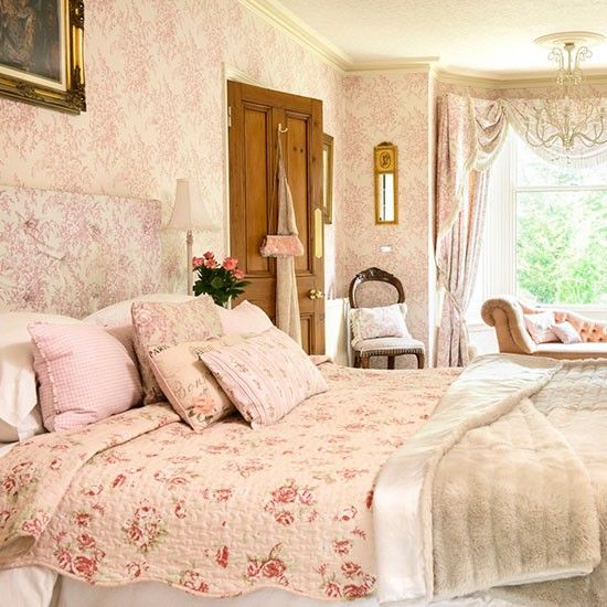 Master bedroom | Take a tour around a detached Edwardian home in Worcestershire | House tour | PHOTO GALLERY | 25 Beautiful Homes | Housetoh...