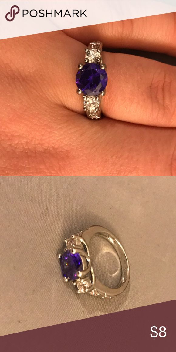 Purple Stone Ring // Silver Colored Ring w/ Purple Stone // Approximately Size 8 // Costume Jewelry // Gorgeous // Originally From a Diamond Candle // Diamond Candle Jewelry Rings