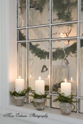 Mirrors... Candles... Greens...