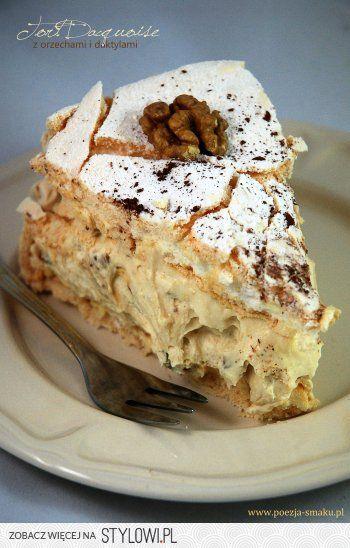 Tort bezowy Dacquoise z daktylami | Poezja smaku na Stylowi.pl