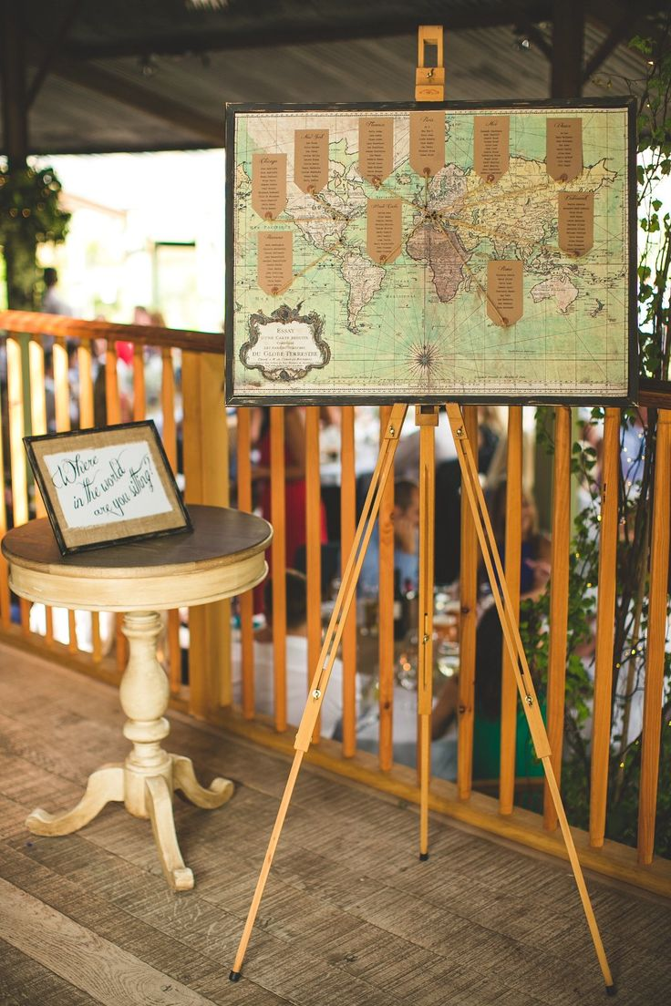 Cool vintage map seating chart for a travel themed wedding // Rock my Wedding
