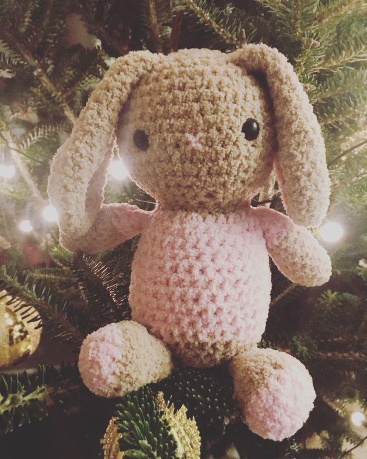 Maskotka króliczek dziergany na szydełku / crochet bunny