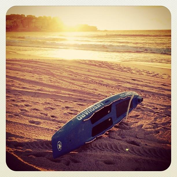 Gearing up for a beach day at Bondi!! #beach #atbondi #bondi #hot #lifeguard #warm #sydney #sunrise #sunshine #australia
