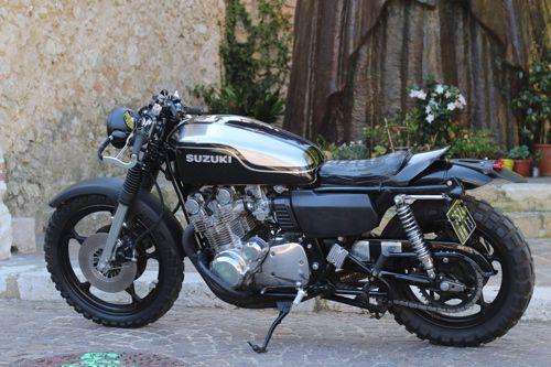 Nouvelle vie pour cette Suzuki GS 1000 de 1978