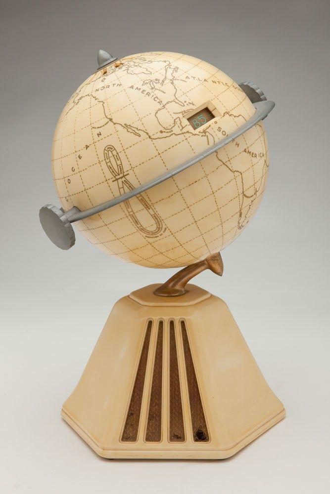 "Raymond Loewy Colonial ""New World"" Globe Radio Model 702 | Radios | Decophobia | 20th Century Design"