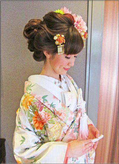 華やかな洋髪~春♪白地にピンクの桜模様の色打掛で・・♪♪ | 素敵大好き♪美輝美容室
