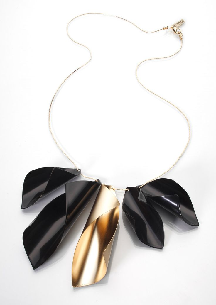 Sculptural Folds - black & gold necklace with sculpted charms resembling curled paper; statement jewellery // Noritamy