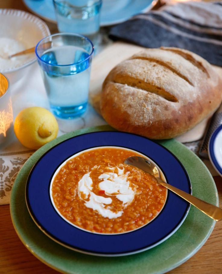 Min kollega har pratat sig varm om detta recept, och att hon gärna äter detta flera gånger i veckan, så det ville jag såklart testa direkt! Jag har aldrig testat att göra linssoppa tidigare, och så det är på tiden att jag gör lite vegetariskt! En rund god smak av lök, vitlök, ingefära, chili och […]
