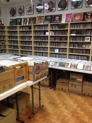 Music Fan - sklep z używanymi płytami Tamka 38/4