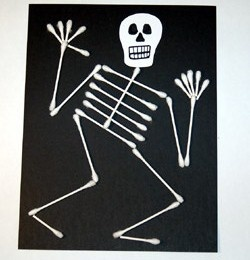 Halloween - Q-tip skeleton