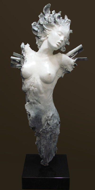 """""""Icara"""". #Escultura de bronce de Ira Reines"""