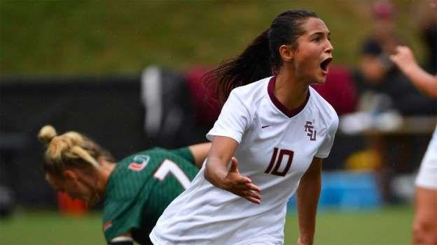 Deyna Castellanos juega en el equipo de fútbol femenino de la Universidad Estatal de Florida, donde estudia comunicación