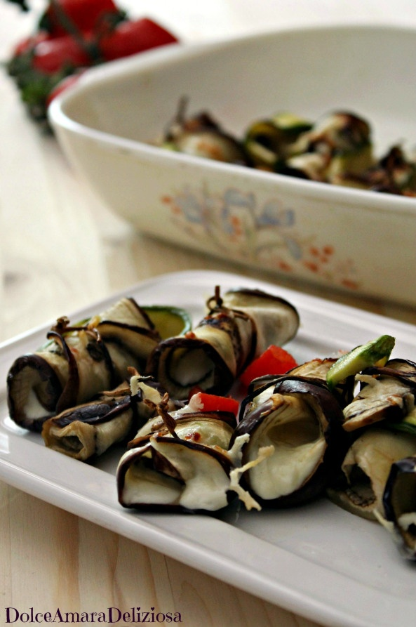 Eggplant rolls with zucchini and stracchino cheese