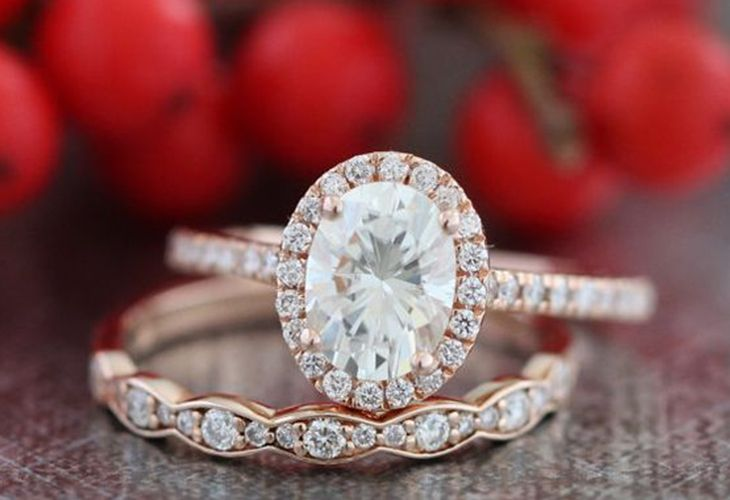 Searching for an affordable engagement ring that is still unique and gorgeous. We've gathered up our favorite engagement rings that fit any budget. Enjoy!