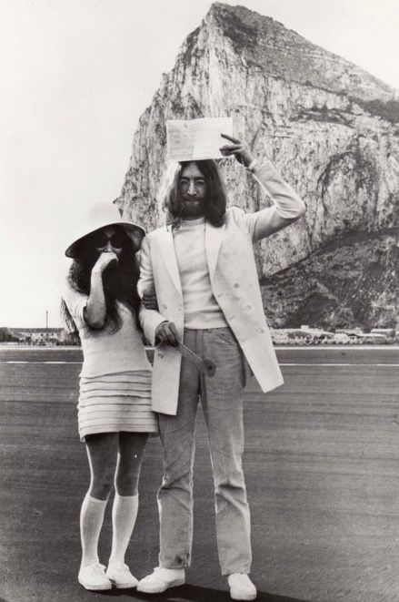 Yoko Ono and John Lennon married in Gibraltar, in a three ...
