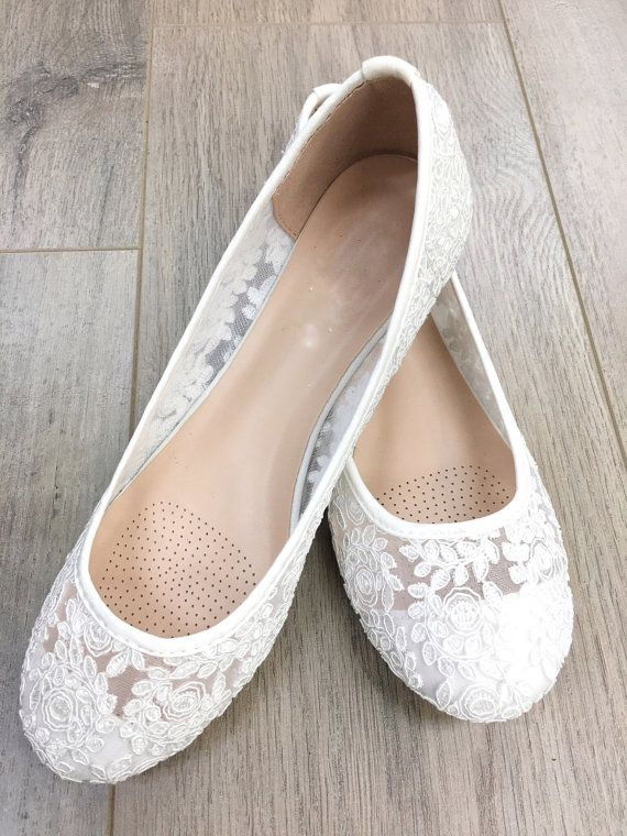 Women Wedding Shoes, Bridesmaid Shoes - White lace flats, Perfect for brides, bridesmaid gifts, wedding party shoes