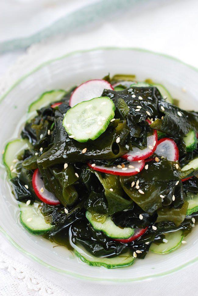 미역 무침 Miyeok muchim (seaweed salad)