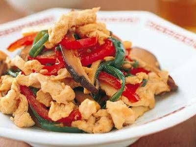 牧野 直子さんの「青椒肉絲(チンジャオロウスー)」のレシピページです。 材料: 鶏ささ身、鶏ささ身の下味、ピーマン、ジャンボピーマン、ゆでたけのこ、干ししいたけ、合わせ調味料、サラダ油、ごま油