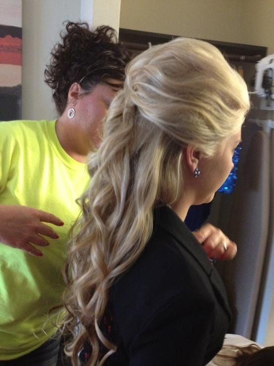 Long loose curls: prom