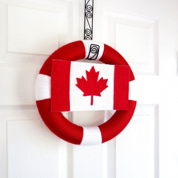 Canada Day Yarn Wreath. Canadian Flag Wreath. Red, White, Maple Leaf. Patriotic Wreath, Decor. Summer Decor. Canadian Veteran Gift.