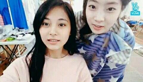 Tzuyu & Dahyun no make up😊