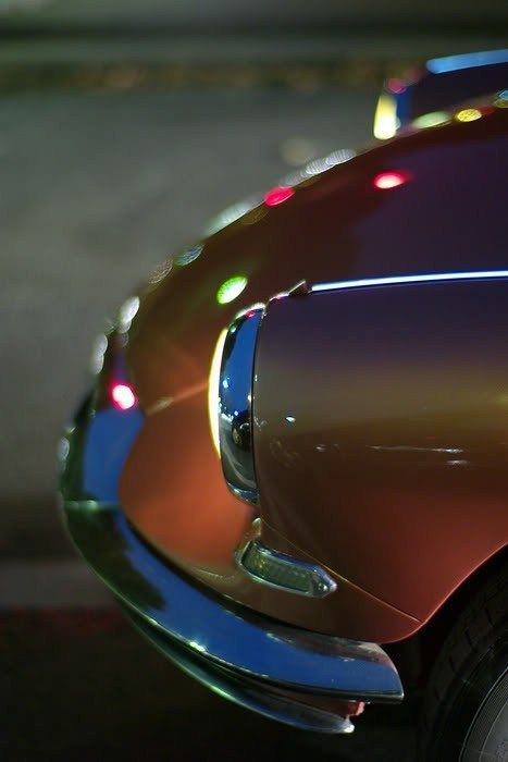 Glossy curves... Citroën DS