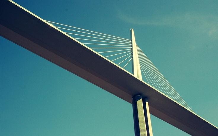 Pont le Viaduc de Millau. Foster.