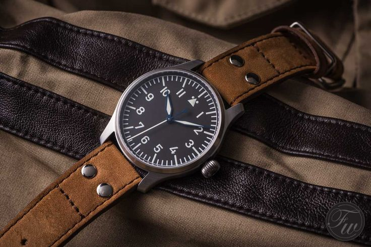 HANDS-ON WITH THE STOWA FLIEGER KLASSIK 40 – A COOL PILOT'S WATCH UNDER 1000 EURO
