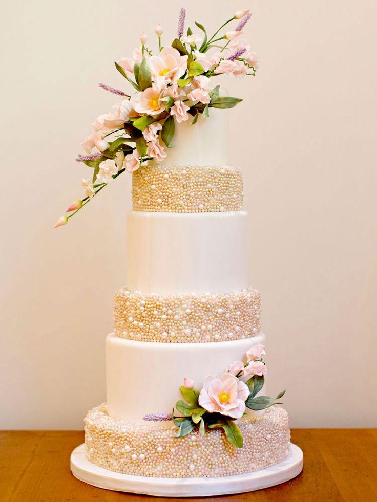 Canada's Prettiest Wedding Cakes For 2015 | Weddingbells