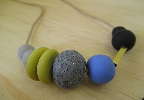 Pasos collar de arcilla polimérica hechas a por HelloWatsonShop