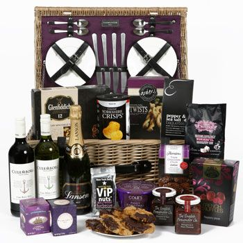 Costco Online for The Winchester Luxury Hamper now in stock with Delivery now available