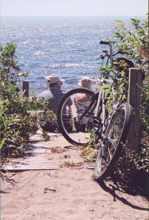 La #veloroute des Bleuets au Parc national de la Pointe-Taillon .#Saguenay_Lac Tous droits réservés (c) Véloroute des Bleuets