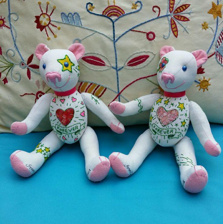 The twins Emerald I and Emerald II, by GSbears Barcelona.  Teddy Bears Mini (27 cm | 0,89 Ft high)