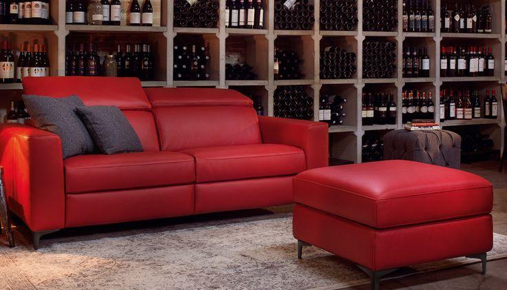 Divani moderni in pelle in vendita da Tino Mariani. Qualità artigiana e personalizzazioni totali per un divano fatto a misura dei tuoi spazi. http://www.tinomariani.it