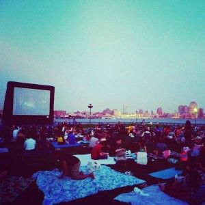B. in New York City: Movies Under The Stars – de hele zomer buiten film kijken in New York!
