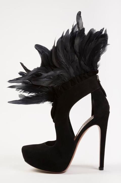 lauren4fashion:    Alexander McQueen shoes I would kill for it…! Totally fave!