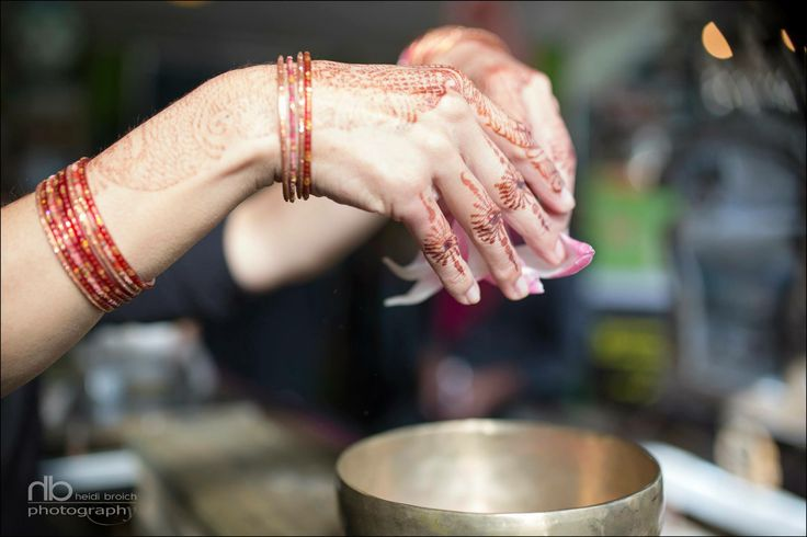 henna colors in motion
