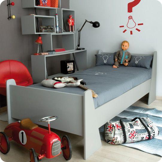 Box shelves on walls in kids bedroom