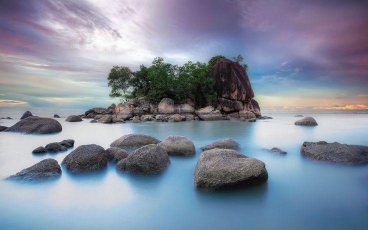 Ce faci cand renunti la tot ceea ce iti este cunoscut si te trezesti in mijlocul unui ocean de necunoscut? Traiesti cu ceea ce ai in tine.