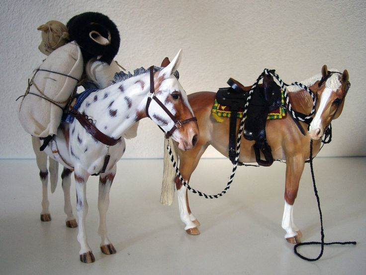 Both Izadora and Lady is painted by Camilla Johansson. The western saddle is by Anna-Karin Larsson and the fab packingset is by Lydia Auten-Ernszt.
