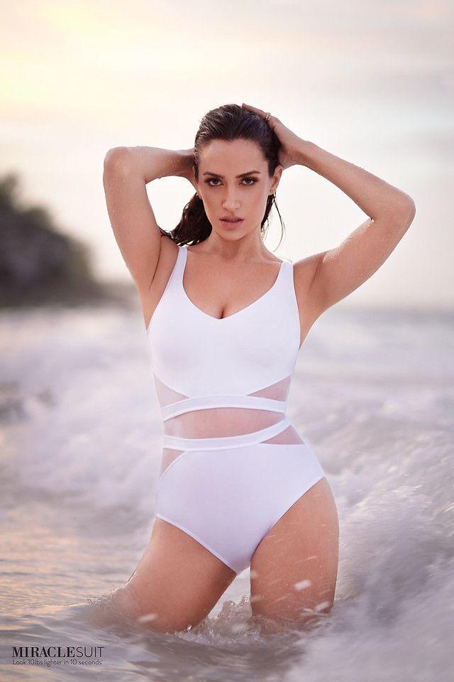 0f4500d7d2414 2018 Miraclesuit Illusionists It s A Cinch Swimsuit