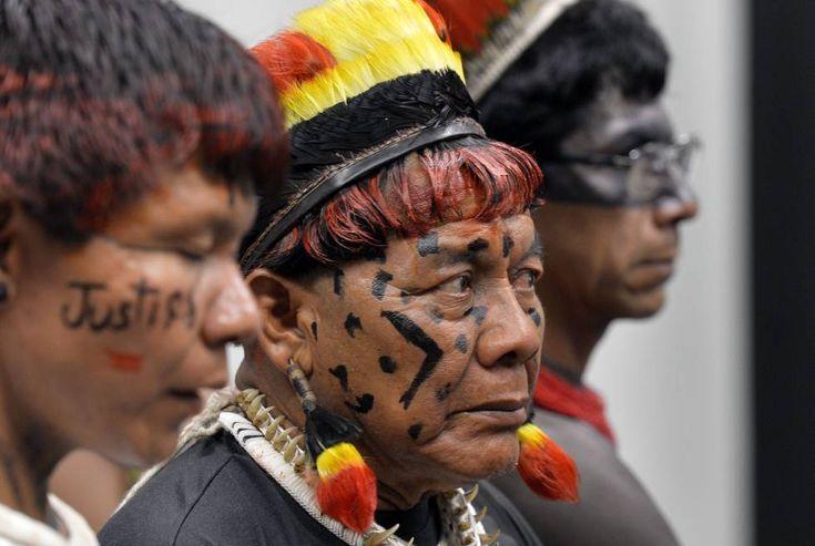 Indígenas durante a CPI da Funai, em novembro passado.  POVOS INDÍGENAS Temer avalia nomeação de militar para a Funai e eleva tensão com indígenas Movimentos publicam cartas em repúdio à indicação do general reformado Peternelli (PSC)