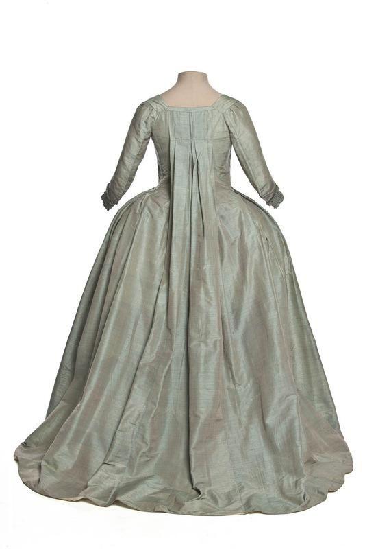 Robe à la française (rear view), France, 1770-1779, Bourrette silk. Les Arts Decoratifs