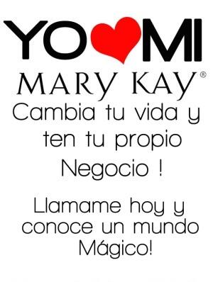 """""""La definición de una persona exitosa es sencillamente una persona ordinaria con una determinación extraordinaria. No hay manera de impedir que una persona audaz alcance el éxito. Si le pones obstáculos en su camino, los usará como peldaños para escalar hacia nuevas cimas. La persona exitosa tiene una meta, un sueño; hace planes y los cumple"""". ~ Mary Kay Ash"""