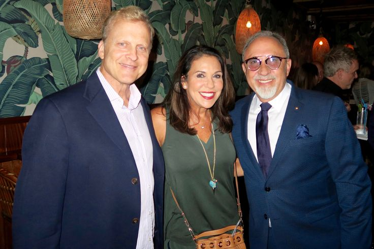 Emilio Estefan was in Chicago promoting Botran Rum... and guess which one of these three people only had one sip. susosfork.com/